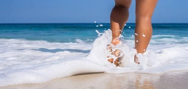 المشي في الماء في المنام