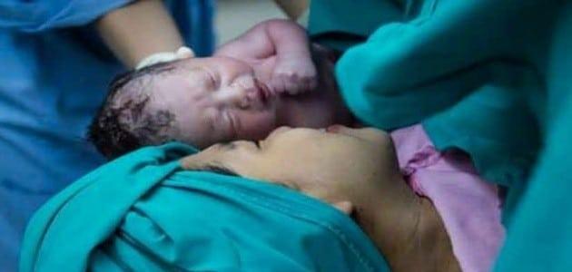 تفسير حلم ولادة ولد لصديقتي