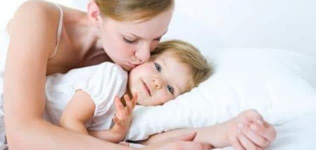 تفسير رؤية تقبيل طفلة صغيرة في المنام